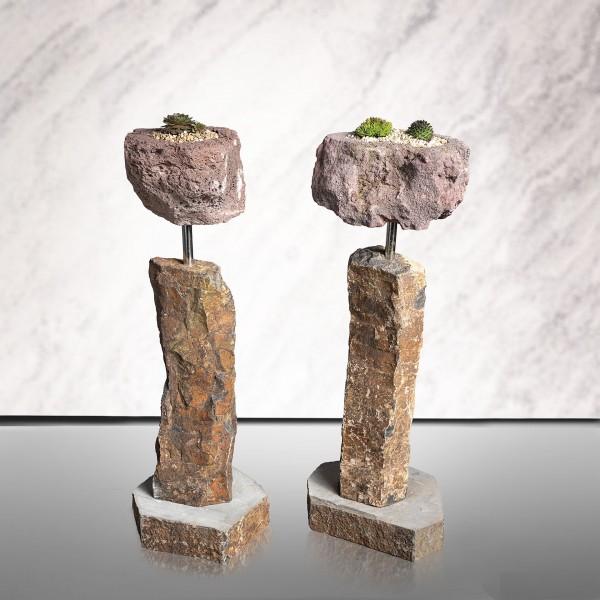 Basalt-Säule mit bepflanztem Kelch