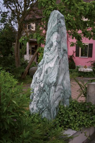 Atlantis Grün Monolith | Naturstein-Geukes