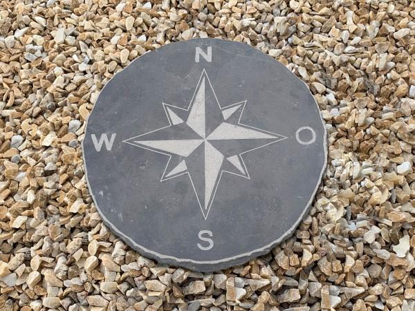 Blaustein-Trittplatte Kompass