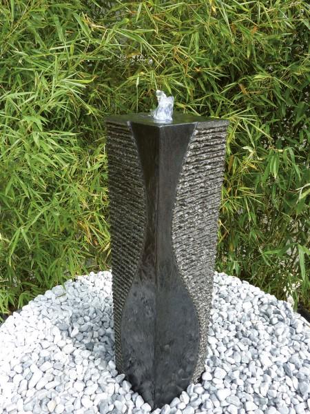 Granitsäule Gizeh, schwarz, teilpoliert